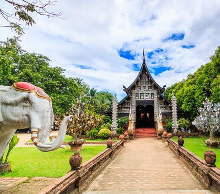 molee: wat Lok Molee  in chiang mai  thailand