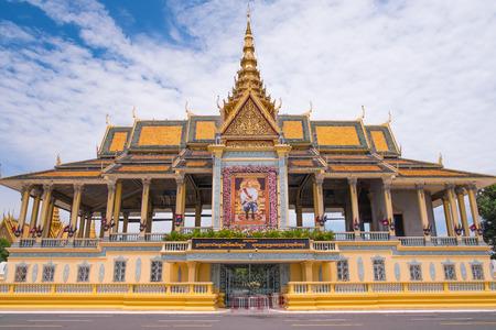 ロイヤルパレス プノンペン、カンボジア、東南アジアで複雑です