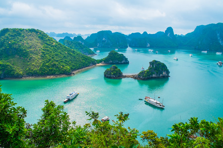 bay: Scenic view of islands in Halong Bay, Vietnam, Southeast Asia Stock Photo