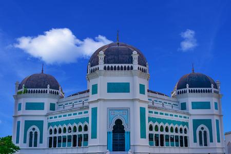 棉兰,苏门答腊,印度尼西亚,东南亚的大清真寺。建于1906年。