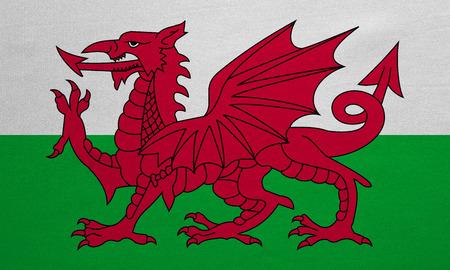 Bandiera ufficiale nazionale gallese. Simbolo patriottico, banner, elemento, sfondo. Colori corretti Bandiera del Galles con vera trama dettagliata del tessuto, dimensioni precise, illustrazione