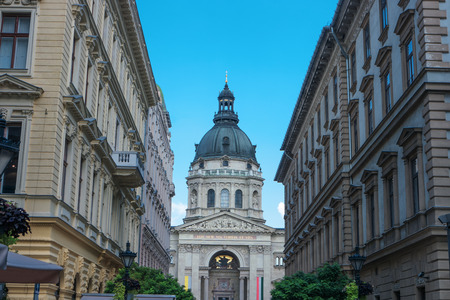 St. Stephen's Basilica in Budapest, Hungary. The basilica of St. Istvan is one of most famous european landmarks and popular places among tourists. Cityscape with largest church in Budapest city 스톡 콘텐츠