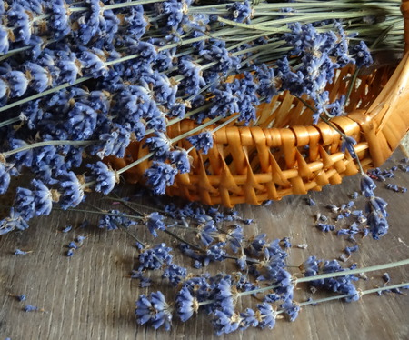 Lavender in a knitted basket - detail