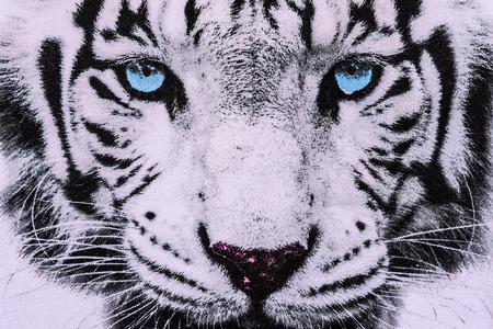 tela blanca: textura de la tela de la impresi�n de rayas de la cara del tigre blanco para el fondo