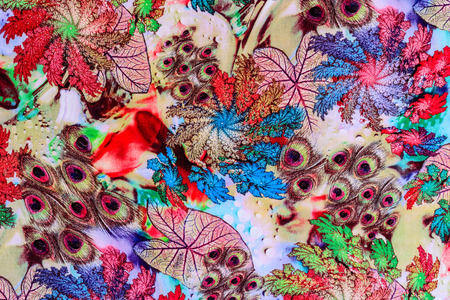 pavo real: textura de plumas de pavo real de impresi�n de tela a rayas y natural para el fondo