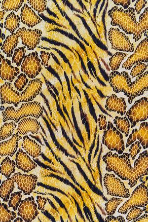 背景の印刷物の生地ストライプ虎と蛇革の質感 写真素材