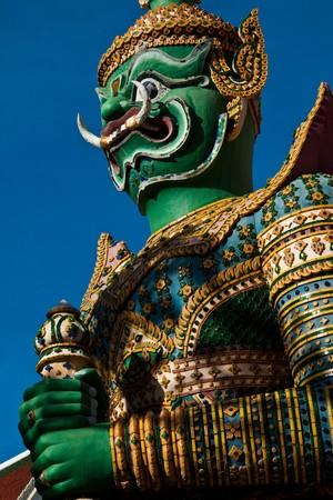 venerate: Yak Wat Jaeng (Thai giant)