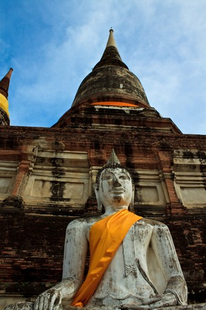 Ancient Buddha is famous in Ayutthaya ,Thailand Stock Photo - 7532551