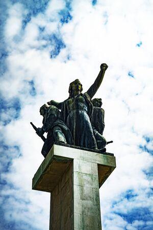 Denkmal für die Befreiung Rijekas vom Nazi-Faschismus am Ende des Zweiten Weltkriegs. Entworfen von Vinko Matkovi‡, Baujahr 1955.