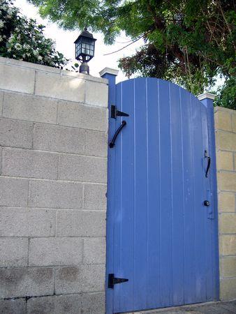 青いゲート