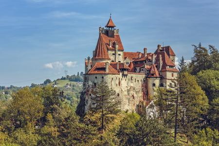 ふすま、ルーマニア - 2015 年 9 月 22 日: ブラン城、ドラキュラの城としても知られています。ブラム ・ ストーカーの文字、ドラキュラ伯爵、ヴラド