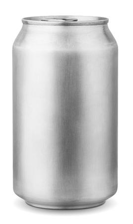 jarra de cerveza: 330 ml de aluminio puede aisladas sobre fondo blanco con trazado de recorte