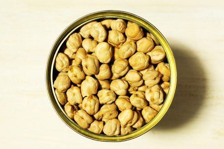 vegetable tin: Canned chickpeas in a tin top view