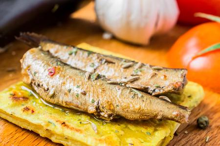 sardine: Tapas con pesce, sardine o papaline