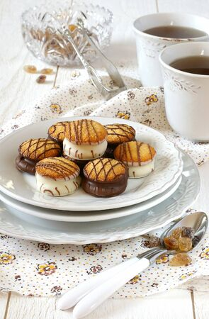 sweet and savoury: five oclock tea with chocolate cookies and brown sugar