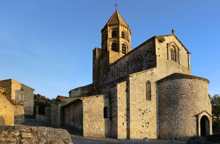 architectural style: Southern France, architectural style: Romanesque Catholic Church