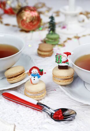 teaparty: New Years tea-drinking with macarons, sweet meringue-based