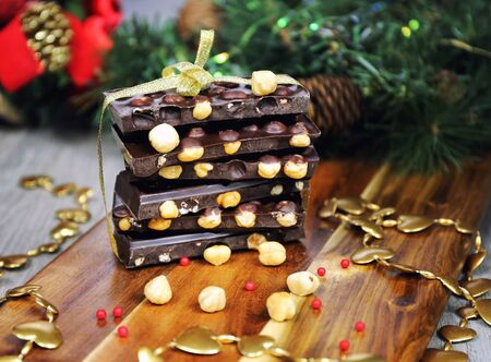 palatable: Holiday mood: Dark chocolate in the Christmas decoration