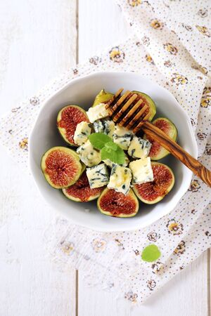 compatibility: Ripe figs, blue cheese and honey