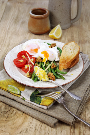 hearty: Hearty breakfast with vegetables and poached eggs