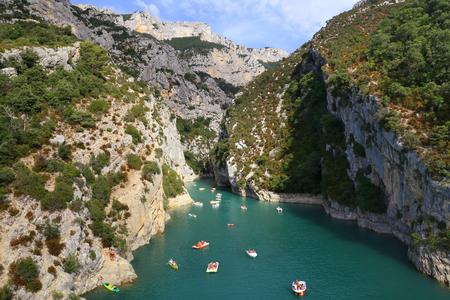 Summer Water Sport. St Croix Lake, Gorge du Verdon, Grand Canyon, Provence, France Stock Photo