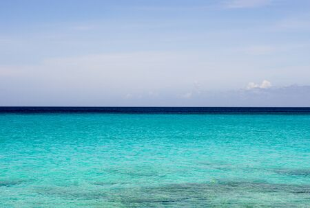 Tropical sea with clear blue water at Curacao Archivio Fotografico