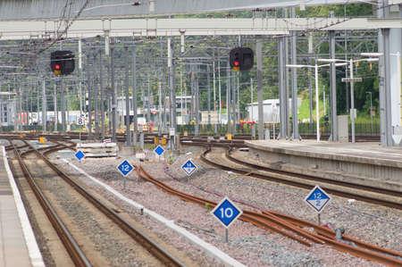 Many railway tracks at Arnhem station in the Netherlands Stockfoto