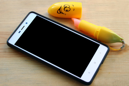 Trinket like banana for mobile phone. Good present for girl, women and teenager. Pretty school accessories.