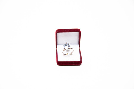 pietre preziose: The best engagement ring  silver jewelry with precious stones
