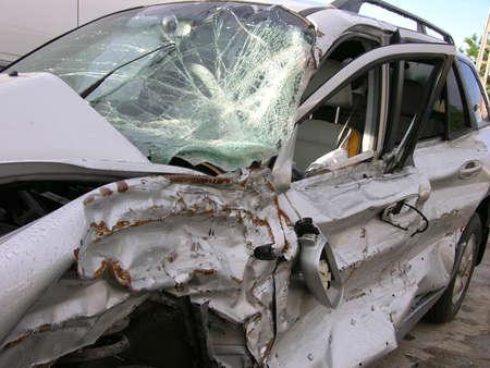 destroyed: Auto Zerst�rt bei einem Crash