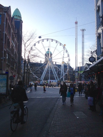dam square: Dam square and Royal palace with travelers.