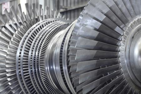turbin: Inre rotor med en ångturbin på verkstad Stockfoto