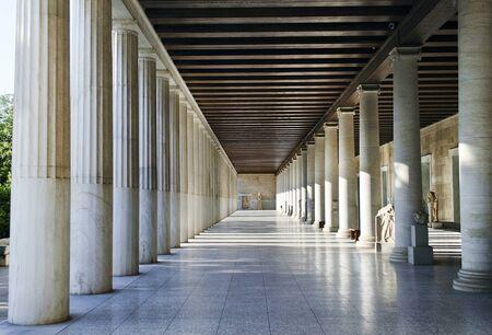 grecia antigua: Stoa de Atalo en Atenas Grecia Editorial