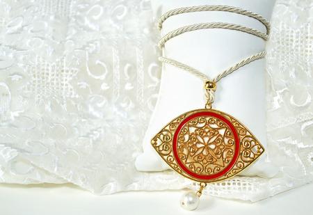 bijoux: gold byzantine eye necklace - expensive jewelry - greek evil eye jewelry