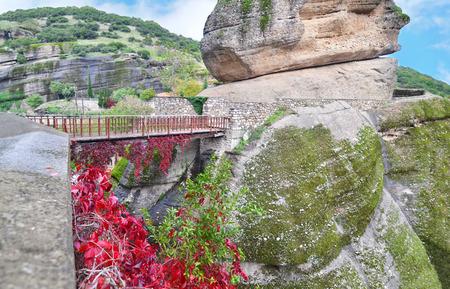 kalabaka: bridge that connects the mountains at Meteora Kalambaka Greece - Orthodox religious places Stock Photo