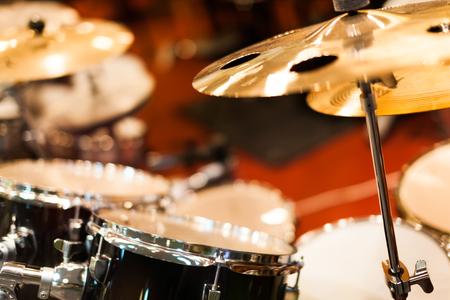 cymbal: drum set