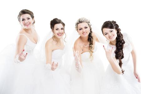 白で隔離 4 つの花嫁