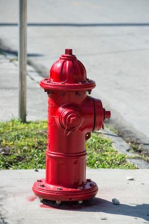 boca de incendio roja típica en Miami, Florida, Estados Unidos