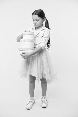 happy birthday. happy birthday concept. happy girl with birthday presents. happy kid hold birthday gift boxes. make a wish Stockfoto - 119659234