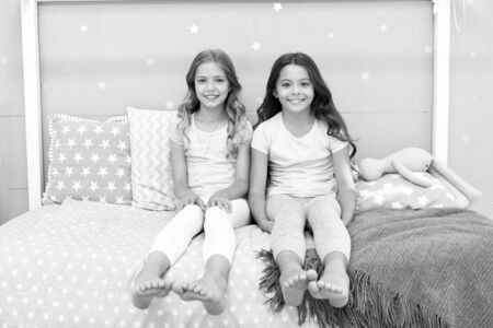Sisters older or younger major factor in siblings having more positive emotions. Benefits having sister. Girls sisters spend pleasant time communicate in bedroom. Awesome perks of having sister.