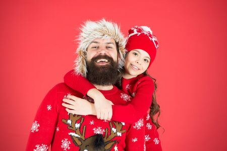 Christmas is coming. small girl love father man. xmas morning. dad and daughter celebrate new year. waiting for santa. family holiday. warm embrace in winter season. merry christmas. happy family 스톡 콘텐츠