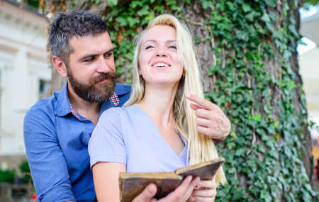 Girl with happy face fall in love with bearded man Zdjęcie Seryjne