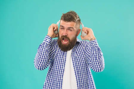 it was very loud. elearning with audio book. bearded hipster in checkered shirt. too loud.