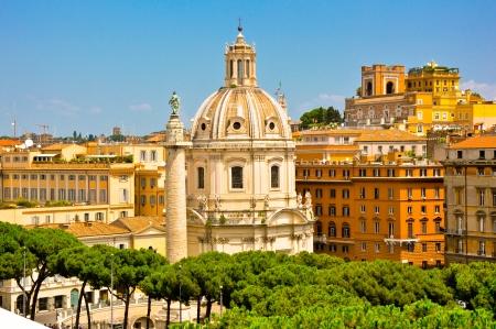 les plus: L'�glise de la Tr�s Saint Nom de Marie au Forum de Trajan