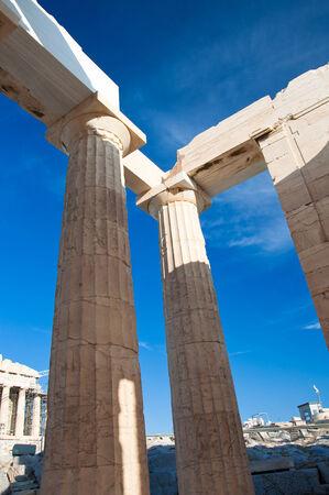 doric: Columnas d�ricas Atenas, Grecia Editorial