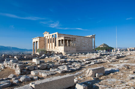 bondad: El Erecteion en la Acrópolis de Atenas en Grecia