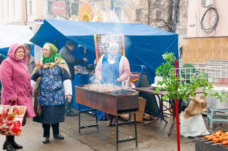 kokoshnik: RUSSIA, MOSCOW-MARCH 13:  Selling of traditional Russian meal on Maslenitsa on March 13, 2016 in Mascow, Russia. Maslenitsa is a week-long festival before Great Fast. Editorial