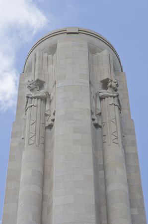The Liberty Memorial stands at the National World War I Museum, overlooking downtown Kansas City, Missouri.  It was built to honor the service men and women who served in World War I.  Construction started in 1920, but the memorial was not complete until  Editöryel