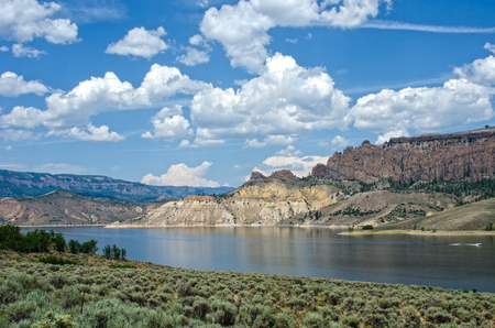 Curecanti National Recreation Area consists of three reservoirs created from the Gunnison River, the biggest of which is Blue Mesa Reservoir, the largest body of water in Colorado.  The area is named for an old Ute Indian chief who once roamed the area. 版權商用圖片