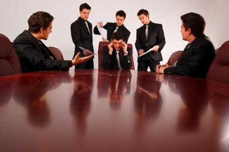 wanorde: Als het druk is op iedereen gaat aan de leider. Stockfoto